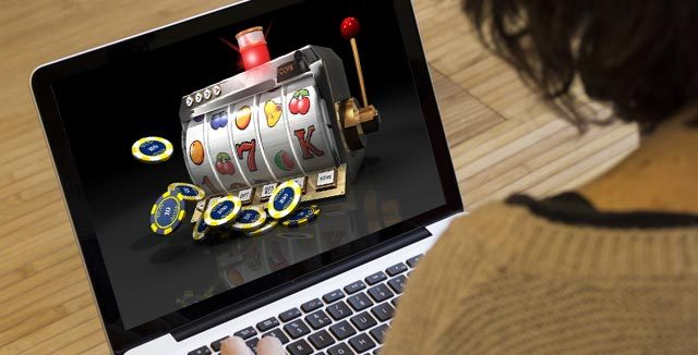 How Many Things To Consider When You Play Casino Slots Online?